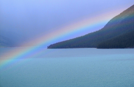 Rainbow_Lake_Minnewanka