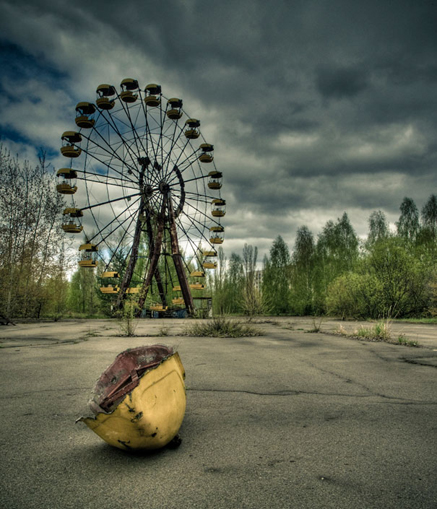 chernobyl-today-a-creepy-story-told-in-pictures-funfair.jpg