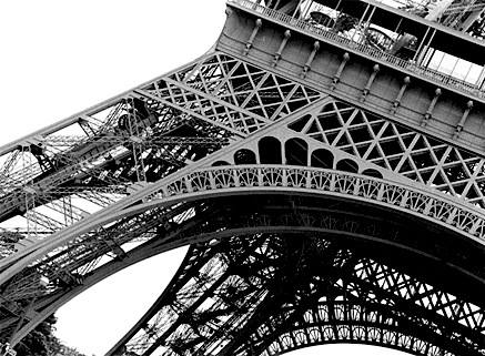 eiffel_tower_closeup.jpg
